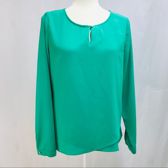 d2fcdf61543 Chico's Tops | Chicos Top Blouse Green Color Sz 0 100polyester ...